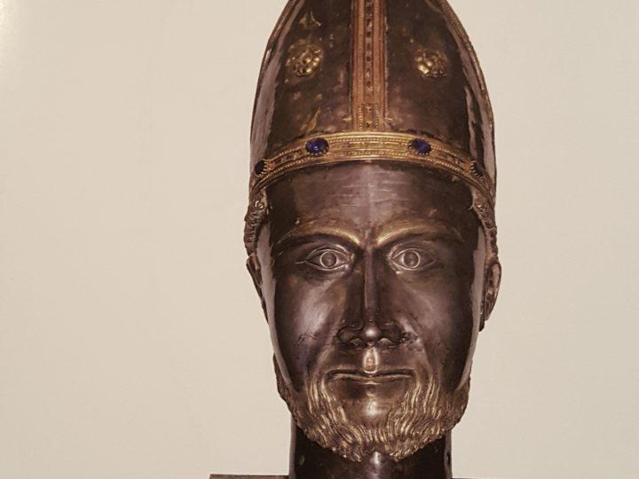 """Il libro sulla cappella: """"Sguardi su San Bernolfo: storia ed arte"""""""